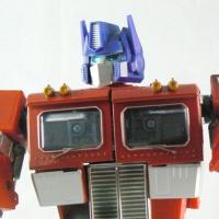 Optimus Prime - Masterpiece Figure (detail)